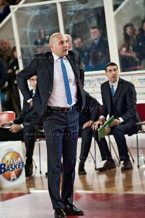 TERAMO 28/01/2012 - BASKET LEGA SERIE A1 CAMPIONATO 2011 - 2012: INCONTRO BANCA TERCAS TERAMO - BENETTON TREVISO.NELLA FOTO DJORDJEVIC ALLENATORE DEL TREVISO.FOTO DI LORETO ADAMO