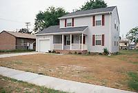 1990 May ..Conservation.Berkley 3..611 Berkley Avenue Extended.Bell Diamond Infill...NEG#.NRHA#..HOUSING:B Dmnd 3 1:2