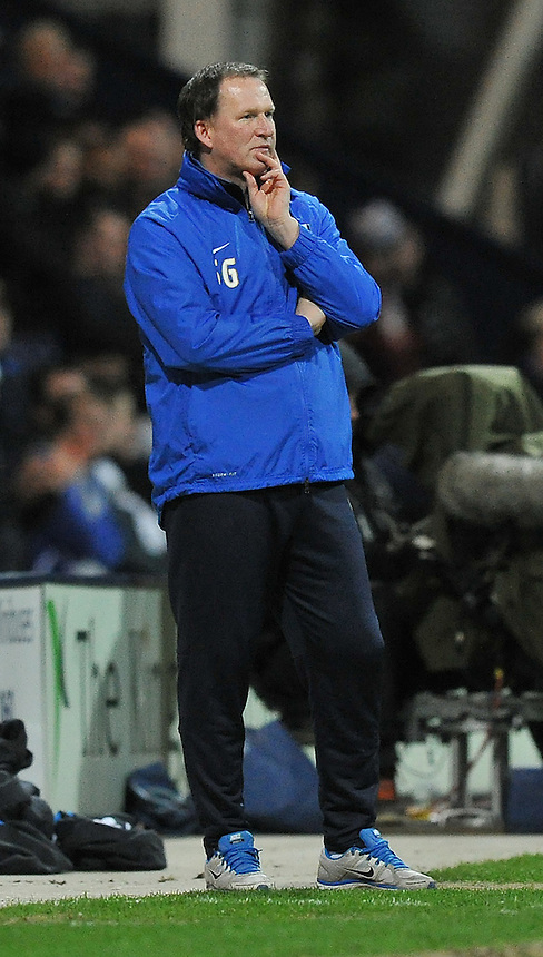 Preston North End's Manager Simon Grayson <br /> <br /> Photo by Dave Howarth/CameraSport<br /> <br /> Football - The Football League Sky Bet League One - Preston North End v Sheffield United - Monday 17th March 2014 - Deepdale - Preston<br /> <br /> &copy; CameraSport - 43 Linden Ave. Countesthorpe. Leicester. England. LE8 5PG - Tel: +44 (0) 116 277 4147 - admin@camerasport.com - www.camerasport.com