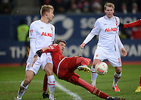 FUSSBALL   1. BUNDESLIGA  SAISON 2012/2013   16. Spieltag FC Augsburg - FC Bayern Muenchen         08.12.2012 Ragnar Klavan (li, FC Augsburg) gegen Thomas Mueller (FC Bayern Muenchen)