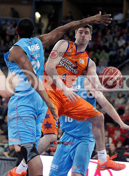 Valencia Basket Club's Stefan Markovic (r) and Asefa Estudiantes' Lamont Barnes during Spanish Basketball King's Cup match.February 07,2013. (ALTERPHOTOS/Acero) /NortePhoto