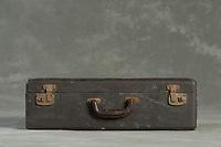Willard Suitcases / Metro R / ©2016 Jon Crispin