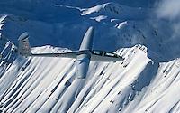 Doppelsitziges Segelflugzeug vom Typ DG 500 in den Seealpen: EUROPA, FRANKREICH, ALPES DE HAUTE PROVENCE (EUROPE), 15.12.2014: Doppelsitziges Segelflugzeug vom Typ DG 500 in den Seealpen