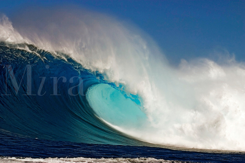 60 foot surf crashes on Maui's Northshore at Peahi (Jaws).<br />