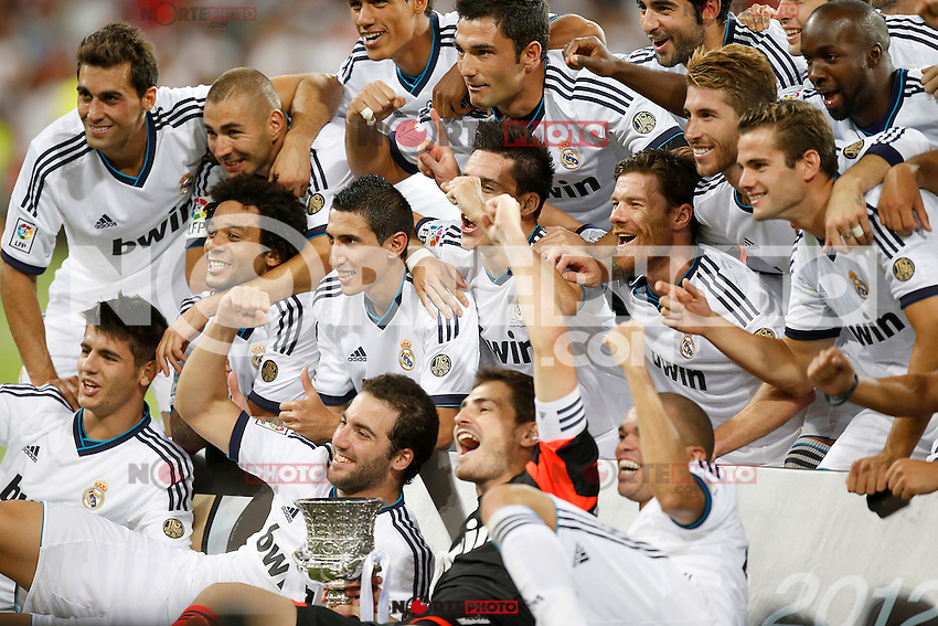 Real Madrid's players celebrate with trophy after Super Cup match. August 29, 2012. (ALTERPHOTOS/Alvaro Hernandez). /NortePhoto.com<br />