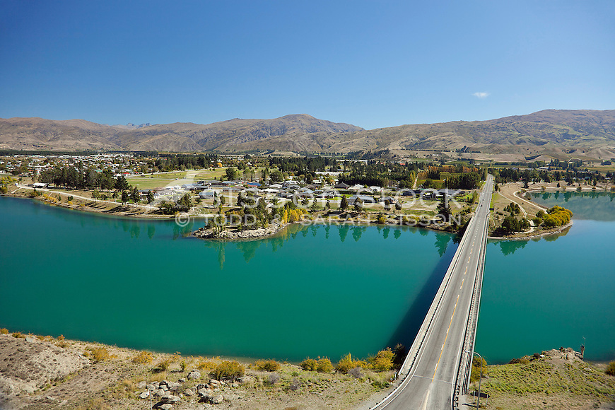 Looking across the bridge over Lake Dunstan towards Cromwell on a perfect Central Otago sunny day.