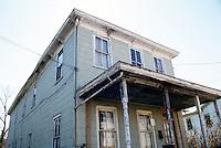 1990 March ..Conservation.Berkley 3..Poor Housing..Main Street & Louisa Avenue...NEG#.NRHA#..