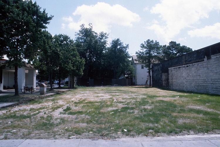1999 July 02..Redevelopment.Old Dominion (R-28)..CAPTION...NEG#.NRHA#..