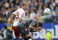 FUSSBALL   1. BUNDESLIGA   SAISON 2011/2012    6. SPIELTAG Hamburger SV - Borussia Moenchengladbach            17.09.2011 Slobodan RAJKOVIC (li, Hamburg) gegen Igor DE CAMARGO (re, Moenchengladbach)