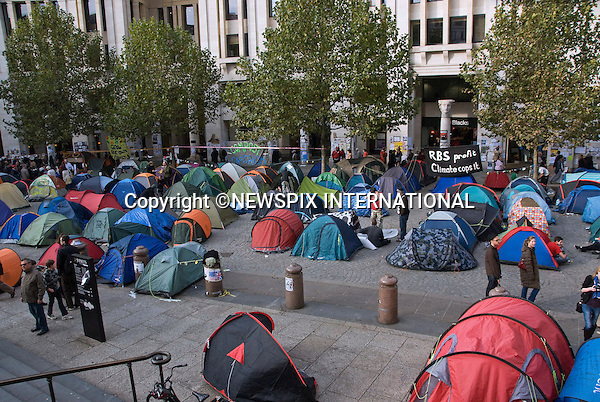 """""""OCCUPY"""" LONDON STOCK EXCHANGE_Keeping A Presence.Protestors tents that have mushroomed around St Paul's Cathedral, London_25/10/2011.Anti-capitalist protesters who set up their tents outside St Paul's Cathedral have forced the cathedral to shut, costing it thousands of pounds a day in lost revenue..Mandatory Credit Photo: ©Dias/NEWSPIX INTERNATIONAL..**ALL FEES PAYABLE TO: """"NEWSPIX INTERNATIONAL""""**..IMMEDIATE CONFIRMATION OF USAGE REQUIRED:.Newspix International, 31 Chinnery Hill, Bishop's Stortford, ENGLAND CM23 3PS.Tel:+441279 324672  ; Fax: +441279656877.Mobile:  07775681153.e-mail: info@newspixinternational.co.uk"""