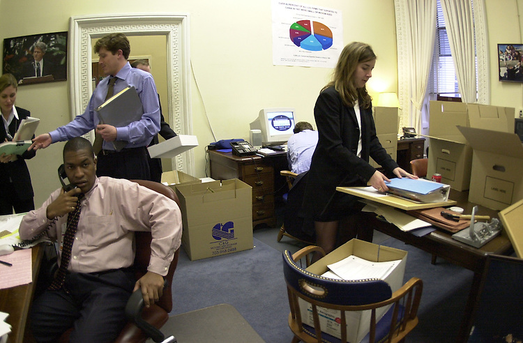 RC20000316-501-IW: March 16, 2000: The China PNTR War Room in The Old Executive Office Building, now being constructed to lobby Congress.           Ian Wagreich/Roll Call