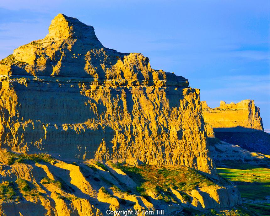 Summer Sunset at Scotts Bluff Cliffs,  Oregon, California & Mormon Pioneer Trails, Scotts Bluff National Monument, Nebraska