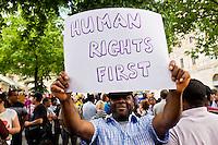 Immigrati manifestano per il diritto di soggiorno