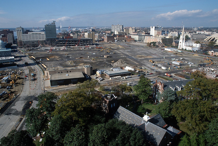 1996 November 20..Redevelopment..Macarthur Center.Downtown North (R-8)..LOOKING WEST.CITY HALL AVENUE ON LEFT...NEG#.NRHA#..