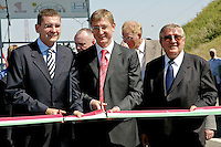0707239259a Ferenc Gyurcsany and Janos Koka at the celebration of the newly built record breaker Pentele Bridge over river Danube at Dunajuvaros, Hungary. Monday, 23. July 2007. ATTILA VOLGYI