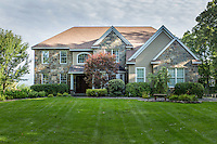 29 Beacon Hill Dr, Saratoga Springs, NY