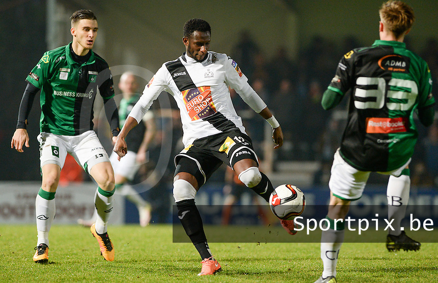 20161217 - ROESELARE , BELGIUM : Roeselare's Ebrahima Ibou Sawaneh (r) pictured with Cercle's Pierre Bourdin (left) during the Proximus League match of D1B between Roeselare and Cercle Brugge, in Roeselare, on Saturday 17 December 2016, on the day 20 of the Belgian soccer championship, division 1B. . SPORTPIX.BE | DAVID CATRY