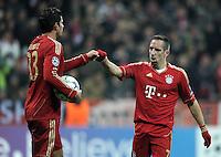 FUSSBALL   CHAMPIONS LEAGUE   SAISON 2011/2012     22.11.2011 FC Bayern Muenchen - FC Villarreal Jubel nach dem Tor zum 2:0 durch Mario Gomez, Franck Ribery (v. li., FC Bayern Muenchen)