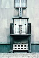 Josef Hoffmann: Palais Stoclet, Brussels. Scultural detail. Photo '87.