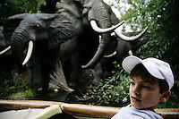 Italy. Province of Veneto. Castelnuovo del Garda. Nicola Ruef and the elephants at Tunga's attraction. Gardaland is the biggest amusement park in Italy and one of the largest in the whole of Europe. MODEL RELEASED. © 2006 Didier Ruef ...