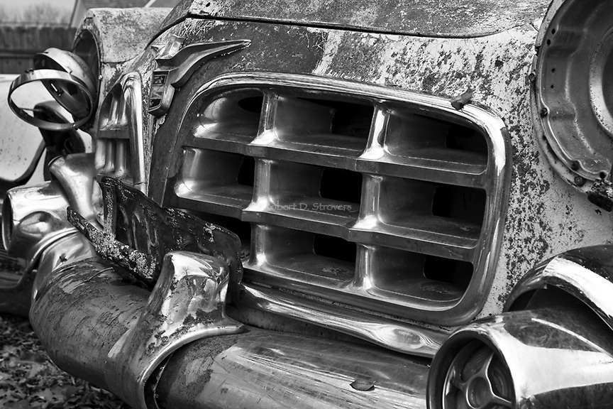 Automotive Images  - Celebrating America's love with the car through iconic details and design elements - old and new, rusty and restored, little known rare models to common models that everyone is familiar with.