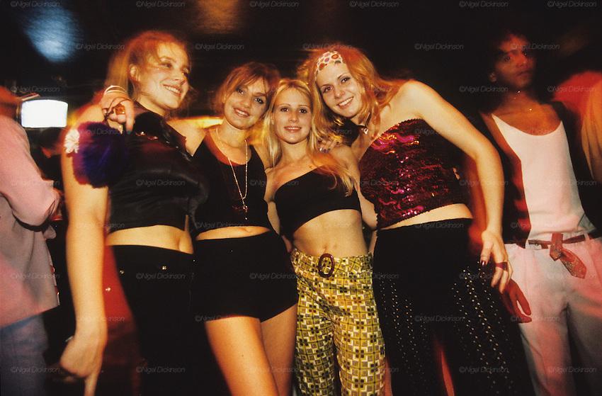 destinations england london nightlife dance clubs