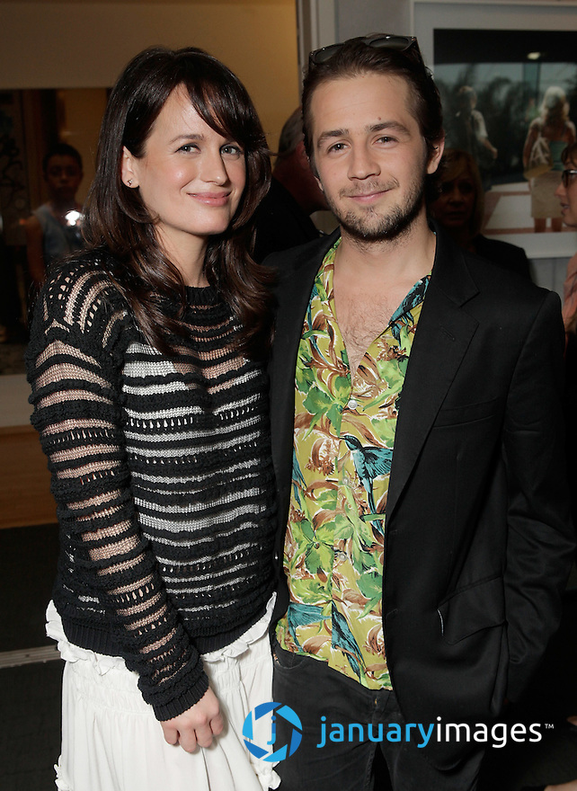 "BEVERLY HILLS, CA - JUNE 06:  Elizabeth Reaser and Michael Angarano attend a Fox Searchlight screening Of ""The Art Of Getting By"" at Clarity Theater on June 6, 2011 in Beverly Hills, California.  (Photo by Todd Williamson/WireImage)"