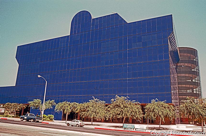 Cesar Pelli: Pacific Design Center, Los Angeles, 1975. Photo '82.