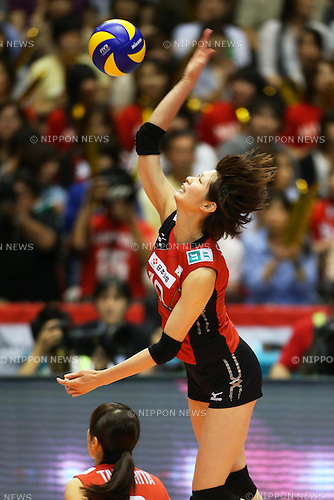 Saori Kimura (JPN), .May 26, 2012 - Volleyball : .FIVB Women's Volleyball World Final Qualification for the London Olympics 2012 .match between Japan 0-3 Russia .at Tokyo Metropolitan Gymnasium, Tokyo, Japan. .(Photo by Daiju Kitamura/AFLO SPORT) [1045]