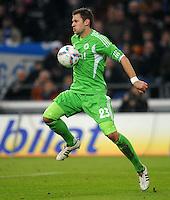 FUSSBALL   1. BUNDESLIGA   SAISON 2011/2012   22. SPIELTAG FC Schalke 04 - VfL Wolfsburg         19.02.2012 Marco Russ (VfL Wolfsburg) Einzelaktion am Ball