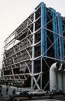 Renzo Piano and Richard Rogers: Centre Pompidou, Paris. South facade.