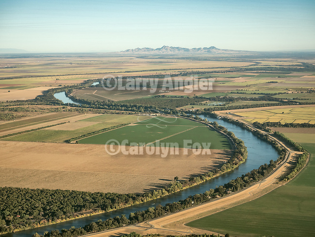 Sutter Buttes and the Sacramento River, croplands in the Sacramento Valley during a USA Fly-over County-from the window seat of Southwest #1882 from SMF to DAL, September 2016