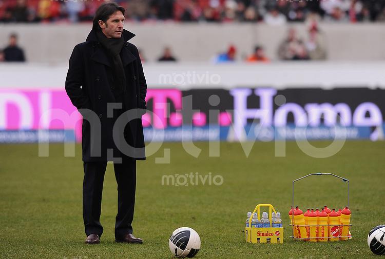 FUSSBALL  1. BUNDESLIGA  SAISON 2009/2010   22. Spieltag   13.02.2010 VfB Stuttgart - Hamburger SV  HSV Trainer Bruno Labbadia