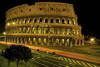 Il Colosseo di notte Roma.The night view of Colosseum in Rome