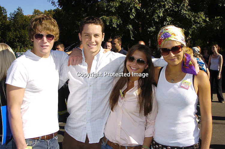 Zach Roerig  Jesse Soffer and Alexandra Chando and Jen Landon   at    Zach Roerig And Alexandra Chando