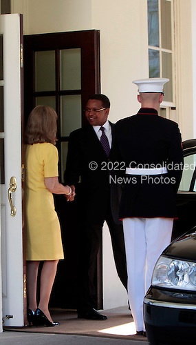 Washington, DC - May 21, 2009 -- President Jakaya Kikwete of Tanzania leaves the White House after meeting with United States President Barack Obama, Washington, DC, Thursday, May 21, 2009..Credit: Aude Guerrucci - Pool via CNP