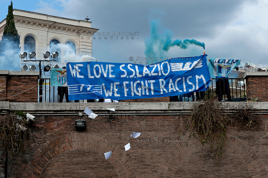 &quot;We Love S.S. Lazio 1900 - We Fight Racism&quot;.<br /> A group of Lazio fans staged a flash mob at the Colosseum on Thursday to show that not all supporters of Rome's oldest soccer club are racist before the second leg of their last-16 Europa League tie against Sparta Prague. Lazio have been punished for racism by their fans on several occasions in the past and they risk fresh sanctions after visiting supporters subjected Sparta's full back Costa, who is black, to jeers when he touched the ball in the first leg in Prague last week. Rome, Italy 17th March 2016