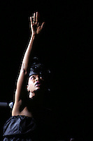 Erykah Badu w/the Roots@Radio City