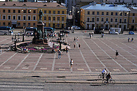 La Piazza del Senato al centro  la statua di Alessandro II di Russia.<br /> The Senate Square in the center the statue of Alexander II of Russia.