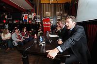 POLITIEK: HEERENVEEN: Café 't Houtsje, 23-10-2013, Politiek Café, Coby van der Laan (PvdA Lijsttrekker Gemeente Heerenveen), Jaap Stalenburg (gespreksleider), Minister Jeroen Dijsselbloem, ©foto Martin de Jong