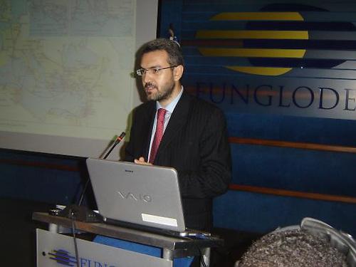 Aymeric Chauprade en Funglode, la ONG de Leonel Fernández