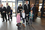 Foto: VidiPhoto<br /> <br /> BARNEVELD - Bezoekers van de 51e toogdag van de GBS in kerkgebouw de Hoeksteen van de Ger. Gem. in Ned. in Barneveld.
