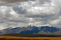 Dramatic Tibetan Landscapes between Lhasa and Lake Namtso, Tibet, China.<br />