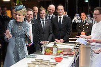 La reine Mathilde de Belgique se rend &agrave; l'inauguration du centre &quot; SLIGRO &quot;, un centre de test culinaire, lors d'une visite d'&eacute;tat de 3 jours du couple royal belge aux Pays-Bas.<br /> Pays-Bas, Eindhoven, 30 novembre 2016.<br /> Queen Mathilde of Belgium during the inauguration and visit of the new 'Experience Center' of SLIGRO in Veghel, on the third and last day of a State visit of the Belgian royal couple to The Netherlands,.<br /> The Netherlands, Eindhoven, 30 November 2016.