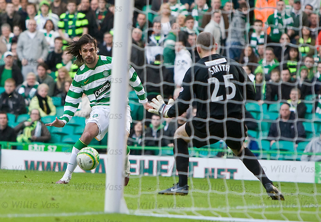 Georgios Samaras scores goal no 3 for Celtic