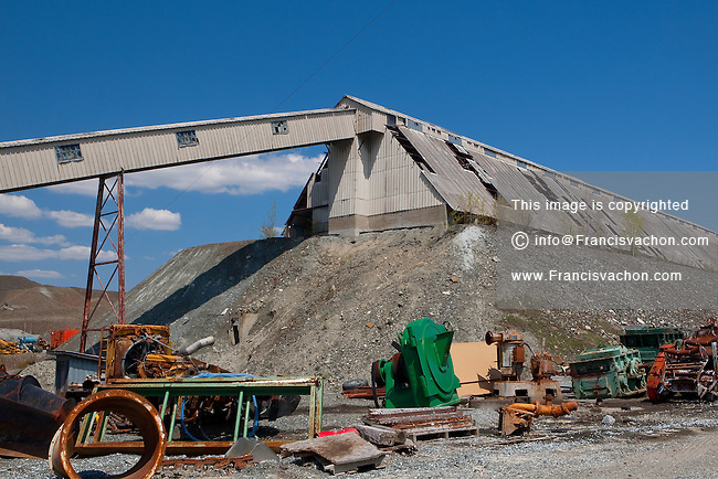 Abandoned asbestos mining site is pictured in Thetford Mines (Quebec, Canada) May 13, 2009. Thetford Mines was founded in 1876 after the discovery of large asbestos deposits in the area, and the city became a hub for one of the world's largest asbestos-producing regions