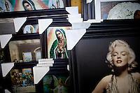 Total religionsfrihet. Olvera Stret. Los Angeles. 11.12.10
