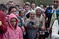 Roma 24 Ottobre 2015<br /> La Via crucis del &laquo;popolo dei gitani&raquo;: in 5000 da tutto il mondo al Colosseo per ricordare l'incontro che papa Paolo VI  fece cinquant&rsquo;anni fa, durante il Concilio. Il Consiglio pontificio per la pastorale dei migranti, in collaborazione con la Comunit&agrave; di Sant&rsquo;Egidio, la Diocesi di Roma e la Fondazione  Migrantes, ha organizzato il pellegrinaggio del &laquo;popolo dei gitani&raquo;. <br /> Rome 24 October 2015<br /> The Via Crucis of the &quot;people of the Gypsies&quot;: in 5000 from all around the world at the Coliseum to remind the meeting that Pope Paul VI did fifty years ago, during the Council. The Pontifical Council for the Pastoral Care of Migrants, in partnership with the Community of Sant'Egidio, the Diocese of Rome and the Migrantes Foundation, organized the pilgrimage of the &quot;people of the Gypsies.&quot;
