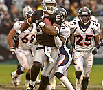 Oakland Raiders wide receiver Jerry Porter (84) makes run after catch on Sunday, November 30, 2003, in Oakland, California. The Broncos defeated the Raiders 22-8.