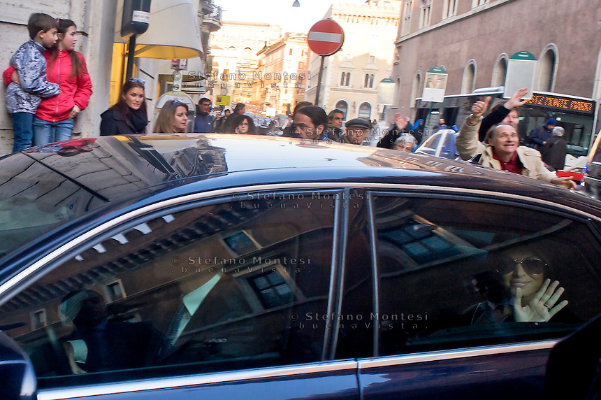 Roma 11 Marzo 2015<br /> Silvio Berlusconi arriva a palazzo Grazioli all'indomani della sentenza di assoluzione in Cassazione sul processo Ruby. Francesca Pascale la fidanzata di Berlusconi arriva in auto a Palazzo Grazioli<br /> Rome March 11, 2015<br /> Silvio Berlusconi arrives at Palazzo Grazioli after the acquittal in the Supreme Court on the Ruby trial. Francesca Pascale's girlfriend Berlusconi arrives by car at Palazzo Grazioli